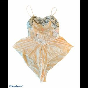Vintage Chemise Camisole Lace Embroidered Cream L
